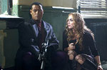 Laurence Fishburne and Drea de Matteo in Assualt on Precinct 13